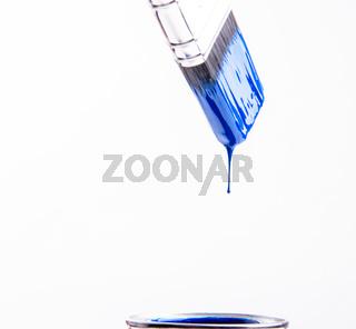 blauer Pinsel