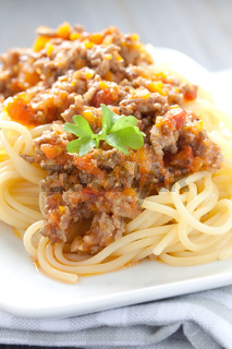 Nudeln mit Bolognese