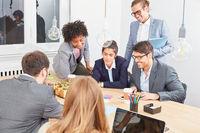 Start-Up Geschäftsleute im Strategie Meeting