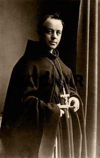 katholischer Priester, historische Aufnahme um 1920 / more Catholic priest, historic photograph, around 1920