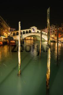 Famous Rialto bridge in Venice