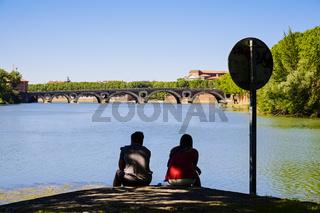 Blick von der Ile du Ramier auf die Garonne, Toulouse, Frankreich