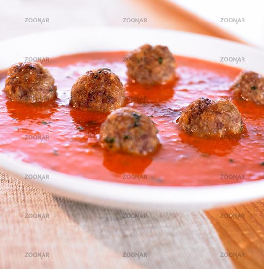 Tomato soup with Hackfleischbaellchen