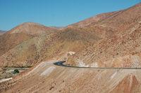 Strasse durch die Halbwueste Chiles