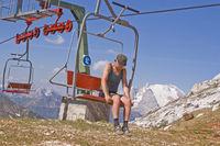 Sesselliftfahrt in den Dolomiten