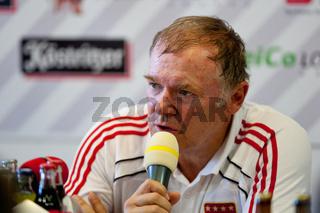 Trainer Hermann Gerland