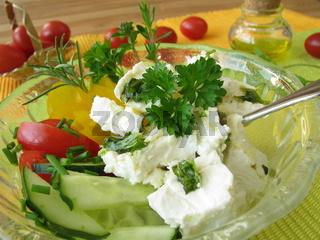 Salat mit Schafskaese