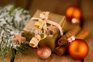 Goldpäckchen zu Weihnachten