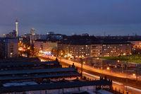 Berlin mit Fernsehturm abends beleuchtet
