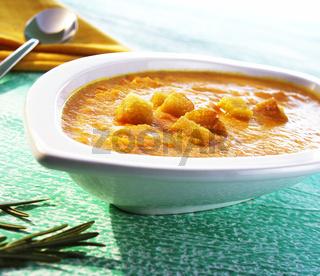 Moehren-Apfel-Suppe