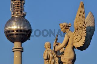 Statue auf der Schlossbrücke in Berlin