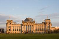 Reichstag im Herbstlicht
