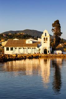 Vlacherna Kloster Kirche Korfu Corfu Griechenland Vlachernon Kanoni Hochformat Insel Reise Meer