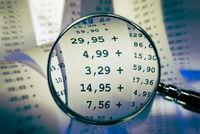 Magnifier focusses sums on a receipt