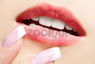 lips-zone make-up