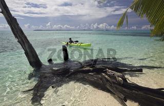 Kinder fahren Kajak, Mikronesien, Palau, Kayaking Kids, Micronesia