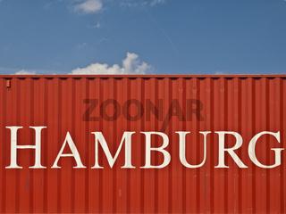 Roter Container mit weisser Aufschrift Hamburg