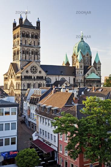 basilica St Quirinus, Neuss, Lower Rhine, North Rhine-Westphalia, Germany, Europe