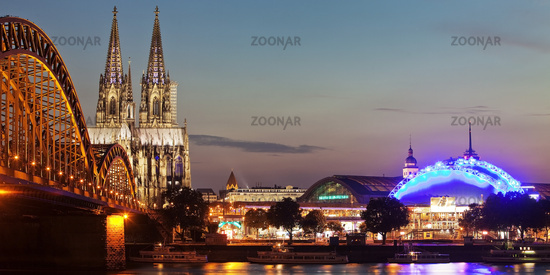 Cologne Cathedral with Hohenzollern Bridge in the twilight, Cologne, North Rhine-Westphalia, Germany