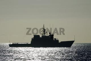 Kriegsschiff vor den Kanaren. War vessel on the canaries.