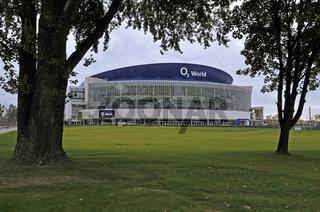 die neue 17000 Zuschauer fassende Superhalle ' O2 World' in Berlin