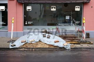 Baustelle vor geschlossenem Laden