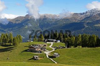 Rudi Hütte, Bergstattion der Rotwandbahn, Sexten, Sextner Dolomiten, Italien