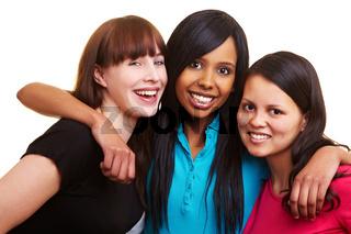 Drei lachende Freundinnen