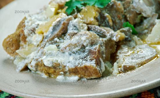 Braised veal with mushrooms