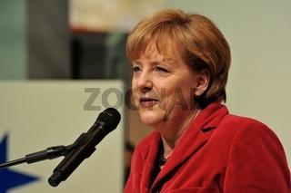 Kanzlerin Merkel zur Eröffnung des Türkei-Standes auf der CeBIT