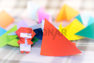 The Little Ninja Kid are Teaching How to Play Origami
