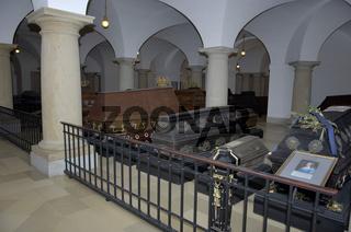 Prunksärge in Hohenzollerngruft im Berliner Dom