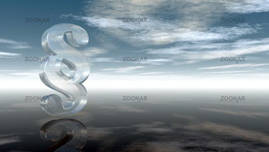 paragraphsymbol aus glas unter wolkenhimmel - 3d illustration