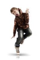 Junge tanzt wd717