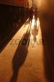 Eine Gasse im Souq in der Altstadt der Syrischen Hauptstadt Damaskus