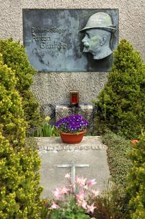 Grabstelle des erzgebirgischen Dichters und Sängers Anton Günther