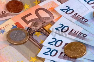 Euro Banknoten und Münzen