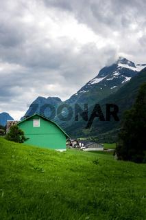 Grünes Haus in Norwegen