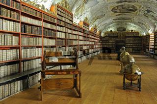 Globen, sehr alte Bücher, Bibliothek, Saal der Theologie, Kloste