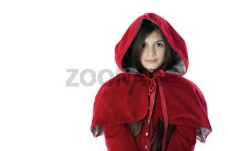 Junges Mädchen im Rotkäppchenmantel