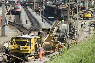 Gleisarbeiten im Bahnhof Schwarzach, Pongau, Salzburg, Österreich