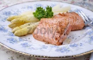 Salmon Filet with White Asparagus