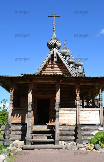 Chapel in the style of Russian wooden architecture.