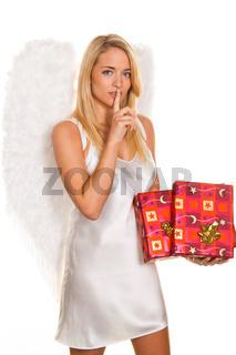 Engel zu Weihnachten mit Paketen und Geschenken.