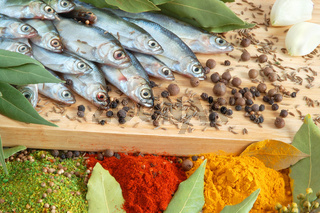Fish with bay leaves and spice