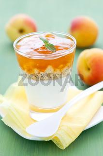 Dessert mit Aprikose
