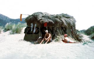 Strandhütte und Familie