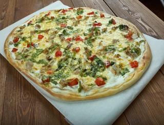 Homemade Chicken Florentine Pizza