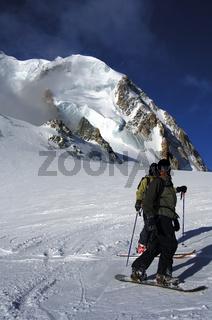 Snowboarder im Hochgebirge