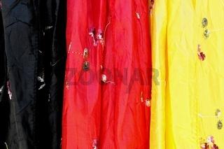 Tücher in den der Farben der Bundesrepublik Deutschland